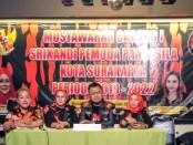 Dari kiri, Ketua Srikandi terpilih, Bendahara DPW Srikandi Jawa Tengah, Ketua MPC  Pemuda Pancasila - foto: Koranjuri.com