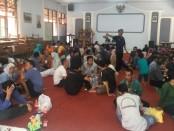 Memperingati Hari Natal, Rutan Purworejo membebaskan jam berkunjung bagi Warga Binaan Pemasyarakatan - foto: Sujono/Koranjuri.com