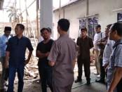Anggota Komisi B DPRD Kabupaten Purworejo, saat melakukan sidak pada proyek pembangunan Puskesmas Grabag, Rabu (4/12) lalu - foto: Sujono/Koranjuri.com