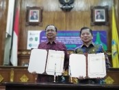 Gubernur Bali Wayan Koster dan Menteri PPN/Kepala Bappenas Suharso Monoarfa melakukan nota Kesepahaman Pembangunan Rendah Karbon (PRK), Selasa, 14 Januari 2020 - foto: Koranjuri.com