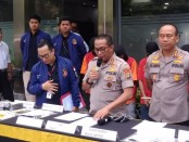 Direktorat Siber Ditreskrimsus Polda Metro Jaya menangkap empat pelaku pemalsuan website milik PT Trimegah Sekuritas Indonesia Tbk - foto: Bob/Koranjuri.com