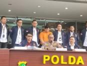 Polda Metro Jaya mengamankan pelaku begal payudara di Bekasi yang viral di medsos dan meresahkan warga - foto: Istimewa