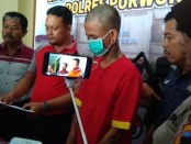 Sae (31), buruh harian lepas warga Desa Tegeswetan, Kepil, Wonosobo, yang ditangkap polisi karena mengedarkan Trihex - foto: Sujono/Koranjuri.com
