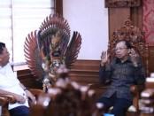 Gubernur Bali Wayan Koster menerima audensi Ikatan Alumni SMA Negeri 1 Singaraja (Ikamsa), di Kantor Gubernur Bali, Denpasar, Rabu (15/1/2020) - foto: Istimewa