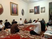 Suasana duja di rumah kediaman Presiden Joko Widodo di Sumber, Solo - Foto: Koranjuri.com