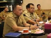 Bupati Purworejo Agus Bastian, saat memimpin rapat koordinasi siaga bencana, Senin (3/3/2020) - foto: Sujono/Koranjuri.com