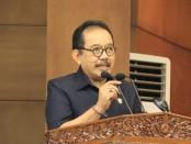 Wagub Tjokorda Oka Artha Ardhana Sukawati membacakan pendapat Gubernur tentang Raperda Perubahan Penyertaan Modal Daerah pada sidang paripurna DPRD Provinsi Bali, Rabu, 4 Maret 2020 - foto: Istimewa