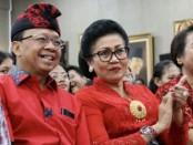 Gubernur Bali Wayan Koster bersama istri Ni Putu Putri Suastini Koster saat memberikan sosialisasi bahaya narkoba dan HIV/AIDS, Sabtu, 7 Maret 2020 - foto: Istimewa
