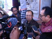 Gubernur Bali Wayan Koster bersama Wagub Tjokorda Oka Artha Ardhana Sukawati usai menghadiri Rapat Paripurna Ke-5 DPRD Provinsi Bali, Jumat, 13 Maret 2020 - foto: Istimewa