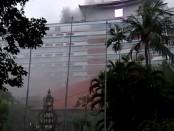 Hotel Inna Grand Bali Beach Sanur terbakar pada Minggu (2/3/2020) - Foto: Istimewa