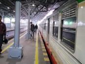 Pandemi Covid-19, mengakibatkan turunnya jumlah penumpang yang menggunakan jasa angkutan kereta api - foto: Sujono/Koranjuri.com