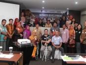 Pelatihan UMKM bertajuk 'Business Development High Impact SME's Development Program in Sumatera'. Pelatihan yang diinisiasi Business & Export Development Organization (BEDO) bekerja sama dengan Sampoerna, Tbk ini mendorong pelaku UMKM menyiapkan produk siap ekspor - foto: Istimewa