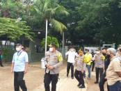 Peninjauan RS Lapangan Penanganan Covid-19 oleh Kapolda Metro Jaya Irjen Pol Nana Sudjana bersama jajaran dan pemilik Arta Graha Tomy Winata - foto: Istimewa