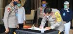 Yayasan Budha Tzu Chi Indonesia dan BNPT Serahkan Perlengkapan Covid-19 ke Polda Metro Jaya