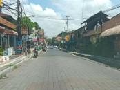Kondisi jalan yang lenggang di seputaran Puri Ubud, Kamis (23/4/2020) pagi - foto: Catur/Koranjuri.com