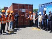 Permintaan satu ton manggis dikirim ke Dubai, UEA dengan menggunakan jalur udara dan kerajinan tangan sebanyak 504 kontainer lewat jalur laut melalui Pelabuhan Benoa pada Minggu, 26 April 2020 - foto: Istimewa