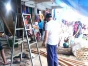 Sejumlah pedagang di Pasar Umum Gianyar saat melakukan pembokaran los dagangan, Minggu (17/5/2020) siang - foto: Catur/Koranjuri.com