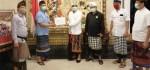 Bali Sari Linuwih Serahkan 2.000 Masker Melalui Majelis Desa Adat