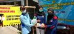 PMR SMK Kesehatan Purworejo Bagikan Masker dan Hand Sanitizer