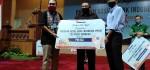 BI Bali Serahkan Paket Bantuan Sembako ke Masyarakat