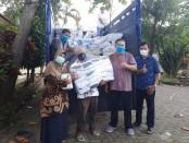 Dinas Koperasi Usaha Kecil Menengah dan Perdagangan (DinKUKMP) Kabupaten Purworejo mengirimkan 100.650 pcs masker non medis ke DinKUKM Provinsi Jawa Tengah di Semarang, Sabtu (16/05/2020) - foto: Sujono/Koranjuri.com