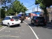 Kondisi jalanan di lokasi relokasi Pasar Gianyar, Kelurahan Samplangan, Selasa (26/5/2020) - foto: Catur/Koranjuri.com