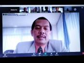 Ketua Panitia Pelepasan Daring Gabungan SMK TI Bali Global yang juga Rektor ITB-STIKOM Bali, Dr. Dadang Hermawan - foto: Koranjuri.com