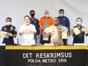 Russ Albert Medlin DPO FBI kasus penipuan investasi saham ditangkap  Subdit IV Tipid Siber Direktorat Reskrimsus Polda Metro Jaya atas kasus kejahatan seksual anak di bawah umur - foto: Istimewa
