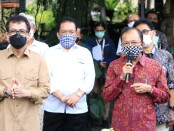 Pertemuan Gubernur Bali Wayan Koster, Menparekraf Wishnutama Kusubandio dan Kapolda Bali Irjen Pol Petrus R. Golose bersama pemangku pariwisata di Bali di Restoran Bebek Tepi Sawah, Ubud, Rabu (17/6/2020) - foto: Istimewa