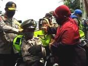 Ahmad Junaidi Alias Dedi, Supeltas penyandang disabilitas mendapatkan apresiasi dari Polda Metro Jaya bertepatan Hari Bhayangkara Ke-74, Kamis, 18 Juni 2020 - foto: Istimewa