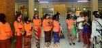 Sasar Pasar Tradisional, DWP Gianyar Serahkan Bantuan 600 masker