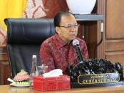 Gubernur Bali Wayan Koster mengikuti rapat koordinasi (Rakor) dan diskusi dengan Ketua KPK RI, Komjen Pol. Firli Bahuri melalui video conference (vicon), Rabu, 24 Juni 2020 - foto: Istimewa