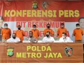 Subdit 3 Resmob dan Subdit 4 Jatanras Dit Reskrimum Polda Metro Jaya menangkap DPO anggota kelompok John Kei - foto: Bob/Koranjuri.com