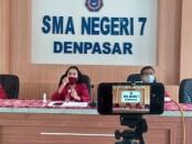 Masa Pengenalan Lingkungan Sekolah (MPLS) di SMA Negeri 7 Denpasar dilakukan secara virtual dengan tetap menjaga protokol kesehatan - foto: Istimewa