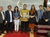 Ketua MPR menerima delegasi Lembaga Ketahanan dan Pengembangan Pasar (Lemhasar) H. Zainal Bintang sebagai presiden Lemhasar pada Selasa (30/6/2020) - foto: Istimewa