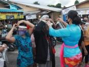 Kegiatan pemantauan protokol kesehatan di lokasi relokasi Pasar Gianyar, Kelurahan Samplangan, Kamis (9/7/2020) - foto: Catur/Koranjuri.com