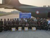 Ribuan paket sembako untuk warga di wilayah Ambon dan Nusa Tenggara Timur (NTT) dikirim dengan menggunakan pesawat Hercules A-1330 milik TNI AU, Selasa, 21 Juli 2020 - foto: Istimewa