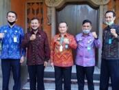 Direktur Lalu Lintas Keimigrasian Direktorat Jenderal Imigrasi Kementerian Hukum dan Ham Cucu Koswala bertemu Kadis Pariwisata Provinsi Bali, I Putu Astawa, Jumat, 24 Juli 2020 - foto: Istimewa