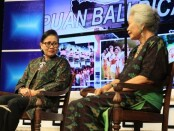 Prof. DR. dr. Luh Ketut Suryani MD (kanan) bersama Ketua TP PKK Provinsi Bali Putri Suastini Koster dalam dialog 'Pendampingan Belajar Anak di Rumah di masa Pandemi Covid 19', Denpasar, Jumat (24/7/2020) - foto: Istimewa