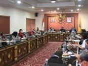 Wagub Bali Tjokorda Oka Artha Ardhana Sukawati menerima Direktur Pamovit Baharkam Mabes Polri Brigjen Pol Hari Prasodjo, di ruang rapat Praja Sabha, Kantor Gubernur Bali, Denpasar, Rabu (5/8/2020) - foto: Istimewa