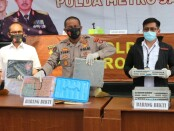 Kabid Humas Polda Metro Jaya Kombes Pol Yusri Yunus menggelar konferensi pers dalam kasus aborsi ilegal di Senen, Jakarta Pusat - foto: Bob/Koranjuri.com