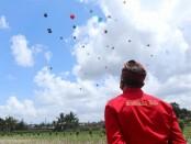 Lomba layangan di wilayah Subak Baung, Desa Sayan, Kecamatan Ubud, Gianyar, Minggu (13/9/2020) - foto: Catur/Koranjuri.com
