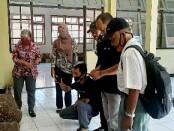 Para wartawan Purworejo, saat mengikuti kegiatan 'Belajar Bersama' di museum Tosan Aji, Selasa (16/09/2020) - foto: Sujono/Koranjuri.com