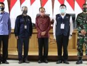 Gubernur Bali Wayan Koster melakukan Kick off Sensus Penduduk Tahun 2020 di Gedung Gajah, Jayasabha, rumah jabatan Gubernur Bali, Selasa, 1 September 2020 - foto: Istimewa
