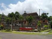 Desa Wisata Belimbingsari di Kecamatan Melaya, Jembrana dengan Gereja Protestan berornamen khas Bali - foto: Koranjuri.com