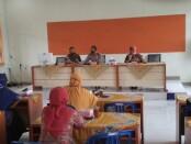 Silaturahmi Kamtibmas Polsek Kutoarjo dengan para kepala sekolah SMA dan SMK negeri dan swasta se Kecamatan Kutoarjo, Rabu (21/10/2020), di aula SMA N 2 Purworejo - foto: Sujono/Koranjuri.com