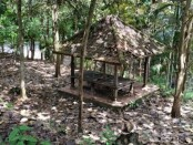 Kondisi bangunan di area wisata remaja Bukit Jati, Kelurahan Samplangan, Kabupaten Gianyar - foto: Catur/Koranjuri.com