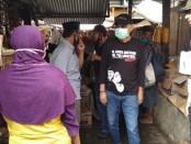 Cabup Purworejo Agus Bastian saat blusukan ke Pasar Kaliboto, Bener, Senin (26/10/2020) - foto: Sujono/Koranjuri.com