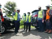 Pjs Bupati Purworejo, Yuni Astuti, saat meninjau lima proyek peningkatan jalan dengan sumber dana dari Bankeu (Bantuan Keuangan) Propinsi Jateng, Selasa (17/11/2020) - foto: Sujono/Koranjuri.com