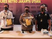 Polres Metro Jakarta Utara mengungkap perkara persetubuhan terhadap anak yang dilakukan oleh pelatih pencak silat - foto: Bob/Koranjuri.com